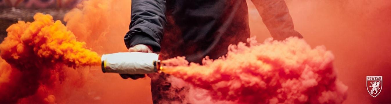 Pyrotechnik: Bengalos und Rauchfackeln
